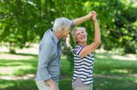 Seniorenpaar beim Tanzen